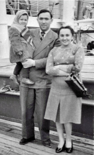 16-Sailing-to-America-Pesach-Lea-and-Adele-aboard-The-Vulcania-March-1949-Copy