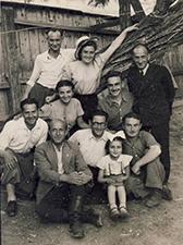 Fruma and family small